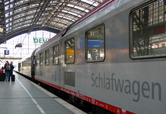 Brussels or Amsterdam to Vienna by train:  The Cologne-Vienna EuroNight sleeper train at Cologne
