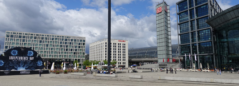 Berlin Hbf and adjacent hotels