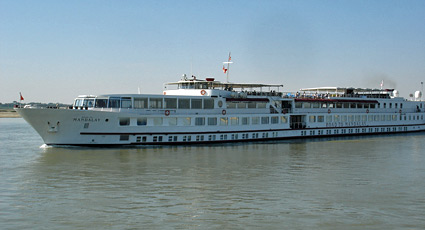 Luxury river cruise on Orient Express's 'Road to Mandalay'