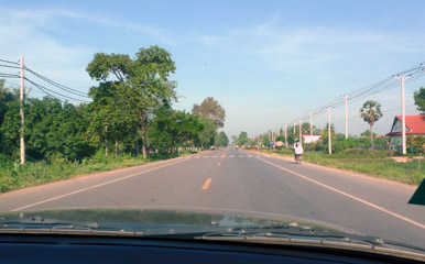 On the road between Siem Reap and Poipet