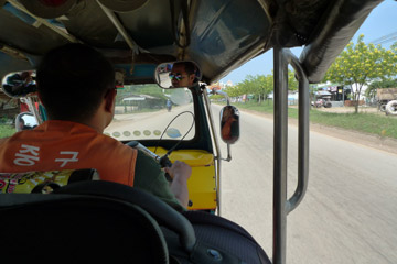 Tuk tuk between Poipet and Aranyaprathet