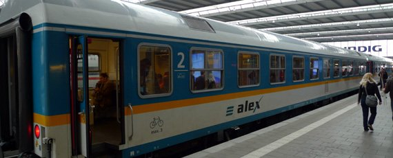 An ALEX train from Munich to Prague ready to leave Munich Hauptbahnhof