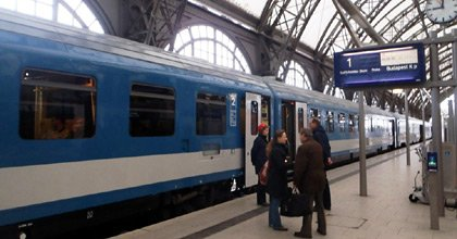 Trains from budapest train times fares online tickets for Dresden to prague train