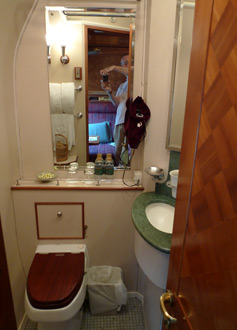 The en suite shower & toilet in a Pullman sleeper