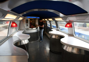 The bar on the upper deck of a TGV Duplex