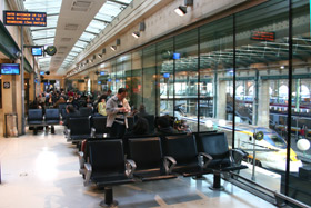 The Eurostar departure lounge at Paris Gare du Nord, on the first floor