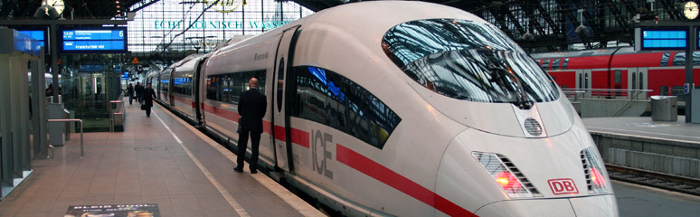A high-speed ICE3 train at Cologne Hbf