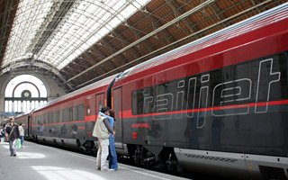 Trains From Budapest Train Times Fares Online Tickets