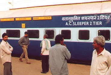 Indian trains: The AC2 sleeper on the Delhi - Varanasi Express