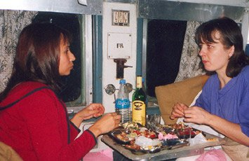 Eating an Indian Railways curry on the Delhi - Varanasi overnight train