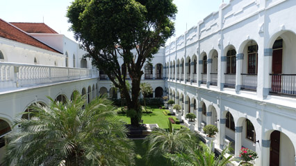 Hotel majapahit, an oasis in the city