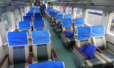 Eksekutif class train seats