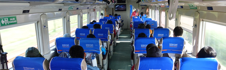 Eksekutif class seats on the Argo Bromo Anggrek