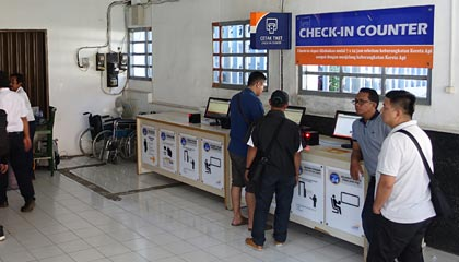 Train check-in counters, Surabaya Gubeng