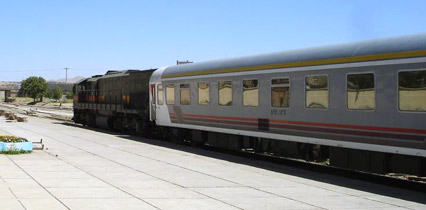 Trans-Asia Express - the Iranian train at Tatvan  (Photo: Bob Johnson)