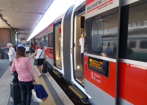 Boarding a Eurostar Italia train at Rome Stazione Termini