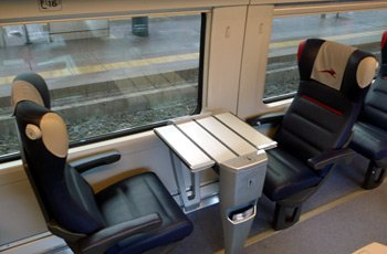 Italo train, Prima ambience - Just one table for 2 & one table for 4  in each Prima car