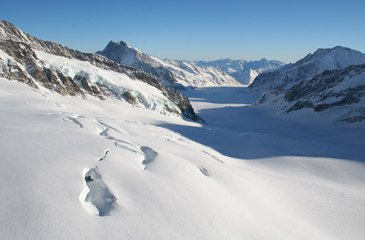 View of the ice plateau from the Jungfrau