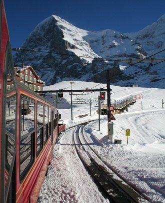 The train heads off up the Jungfrau