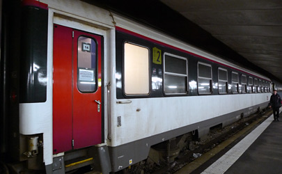 New colours for French intercite de nuit trains