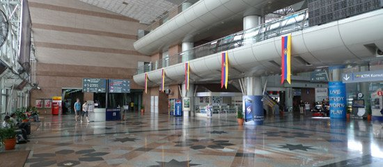 KL Sentral station, main entrance hall on Level 2