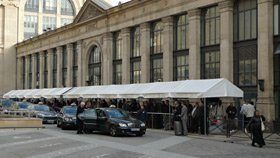 The taxi rank at Paris Gare du Nord