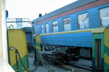 The 'Pretenia' train from Bucharest to Chisinau, having its wheelsets changed