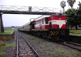 Mozambique:  Train from Maputo arrived at Ressano Garcia