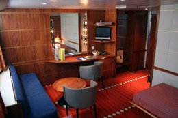 A Commodore Deluxe cabin on DFDS Seaways
