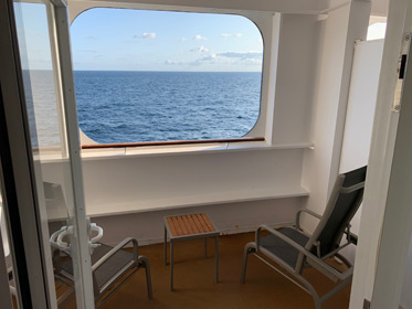 QM2 stateroom 4101, the sheltered balcony