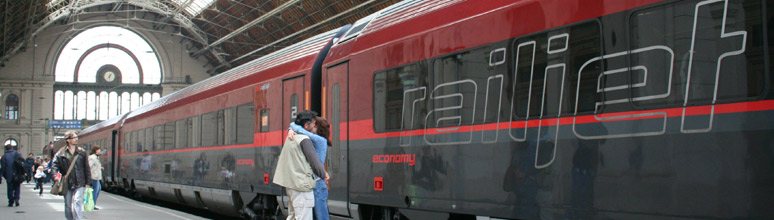 A railjet train from Vienna to Budapest, arrived at Budapest Keleti