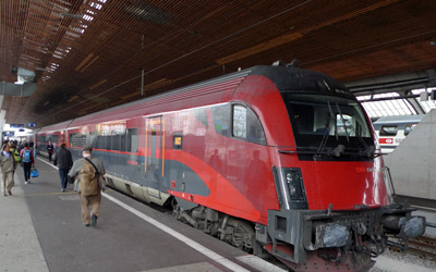 RailJet about to leave Zurich for Vienna