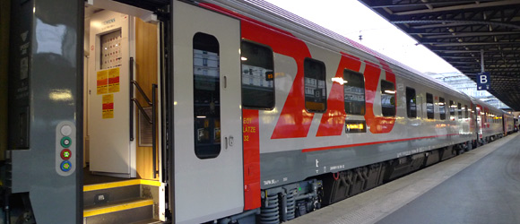 paris to moscow by train from 245 the paris moscow express. Black Bedroom Furniture Sets. Home Design Ideas