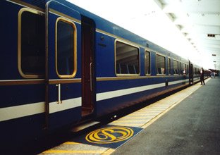 Boarding the Blue Train at Cape Town