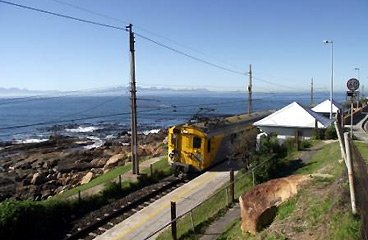 A train between Cape Town and Simon's Town