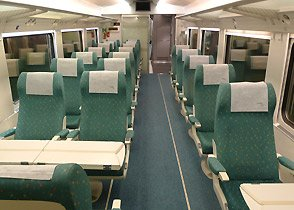 Preferente (1st class) seats on a EuroMed train to Alicante