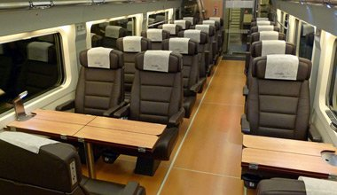 1st class seats on the Barcelona to Lyon AVE train