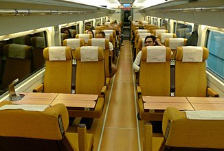Trains from lisbon train times fares online tickets for Ave hotel barcelona madrid