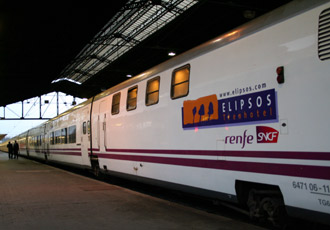 The 'trainhotel' to Madrid seen at Paris Austerlitz...