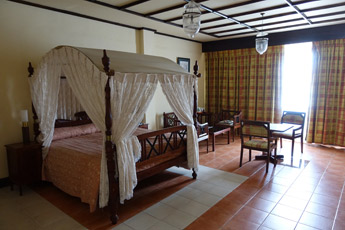 Deluxe room at the Grand Oriental Hotel, Colombo