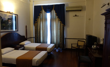 Queen's Hotel Kandy:  Twin room