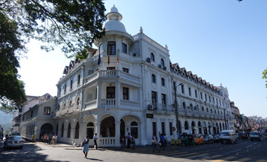 Queens Hotel, Kandy