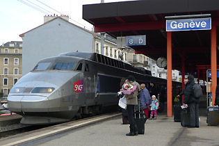 A TGV Lyria about to leave Geneva for Paris