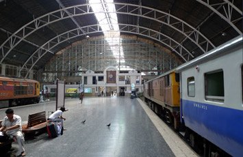 The International Express train from Butterworth (Penang) arrives at Bangkok's Hualamphong Station.