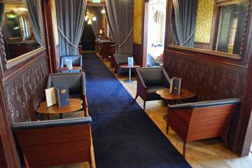 the famous train bleu restaurant at paris gare de lyon. Black Bedroom Furniture Sets. Home Design Ideas
