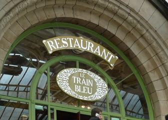 Train Bleu restaurant sign