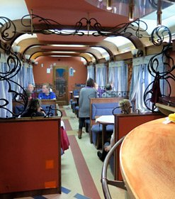Restaurant car on train 2, the Rossiya