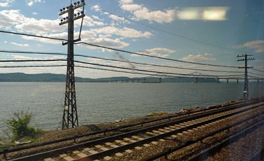 Scenery along the Hudson River between New York & Chicago by train