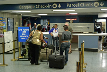 Baggage check-in, New York Penn Station