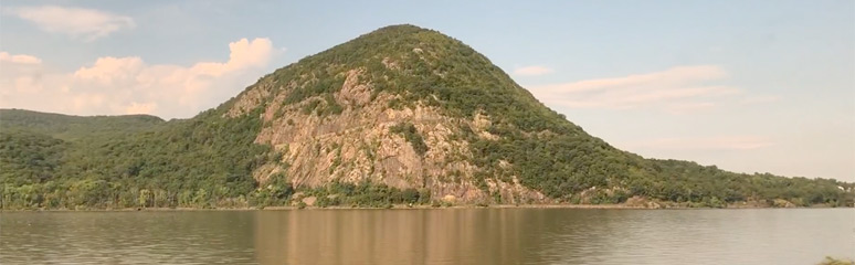 Storm King Mountain on the Hudson River valley, seen from the Lake Shore Limited train to Chicago